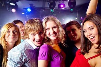 gece kulübünde kadınları etkilemenin yolları nelerdir